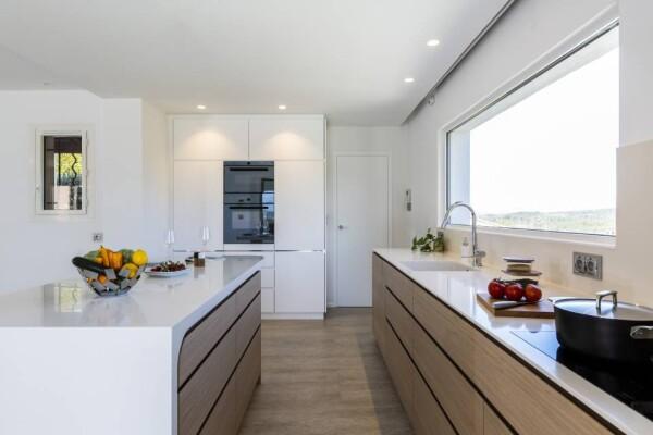 Акриловый камень на кухне